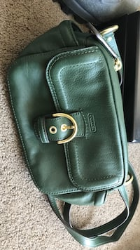 Coach purse. Green with gold hardware. Never used   Calgary, T3K 1L3