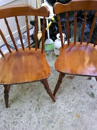 2 wooden chairs Alexandria, 22315