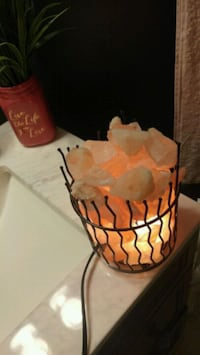 Salt lamp with dimmer  Barrie, L4M 1A4