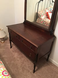 Antique dresser good condition , must pick up Harpers Ferry, 25425