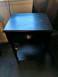 Bedside table Greenbelt, 20770