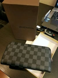 LV wallet new, no trades  3750 km