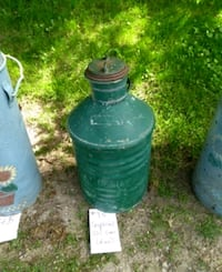 Antique Oil can Innisfil, L0L 1W0