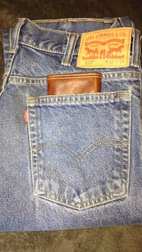 New men's Levi's/w authentic Levi leather billfold Pearl, 39208