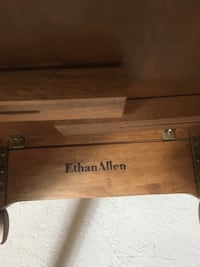 Ethan Allan coffee table Innisfil, L9S 2J3