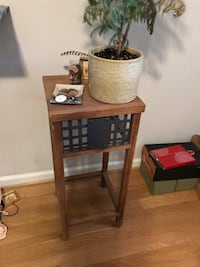Tall side table  Nashville, 37203