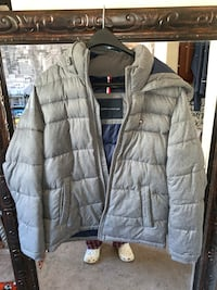 Grey Tommy Hilfiger Puffer Zip Up Coat/Jacket Size Small Retail $240 Reno, 89523