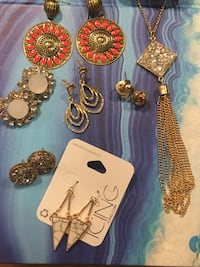 Jewelry bundle Dunwoody, 30346