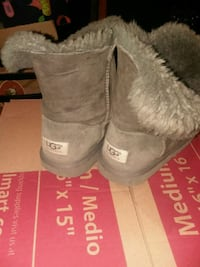 Ugg boots grey! Size 3 Fort Wayne