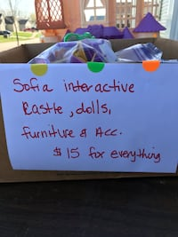 Sofia the first castle and assessories Wentzville, 63385