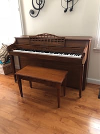 Baldwin Spinet upright piano Dayton, 21036