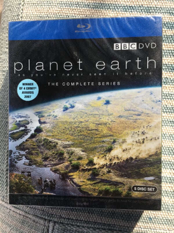 Planet Earth The Complete Series [Blu-ray] (2007) 5-Disc Set. 31484bb8-4fb1-4318-aeaf-361e90bf5a2f