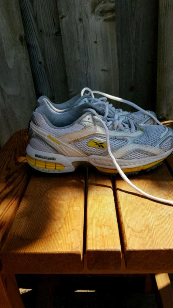 6dca6b630363b9 Used Reebok premier road plus size 6.5 for sale in St. Catharines ...