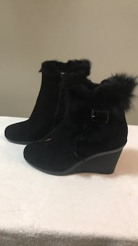 Aquaitalia booties with real fur, size 7, perfect condition Toronto, M5M 4K9
