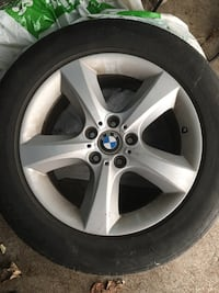 BMW - X5 - 2009 rims with tires Toronto