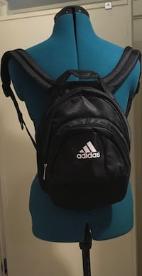 Black mini Adidas backpack child Seattle, 98115