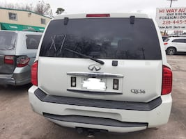 2007 infinity QX56 White (FOR PARTS ONLY)