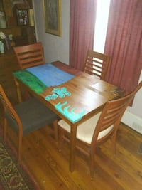 Dining room set.. 300 other  items. look under sel Atlanta, 30318