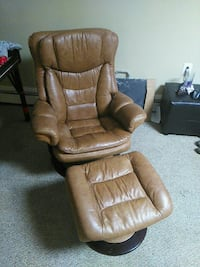 Leather chair and ottoman  Maryland, 21226