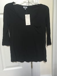Black Scoop Neck 3/4 Sleeve Shirt