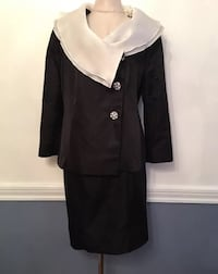 L Agostino 100% Silk Skirt Suit Gorgeous Designer Black and Ivory Ruffle Collar Detatchable this is a piece by Frank Augostino based on the Main Line in Philadelphia, PA pleae see measurements, there are no size labels in this garment, it equates to a wom 151 mi