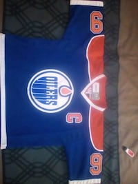 Worn by gretzky  (oilers) Calgary, T3E 2M5