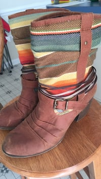 Pair of brown leather boots Greenville, 28590