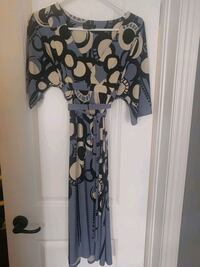 Max and cleo. Size small wrap dress Vaughan, L4H 3G3