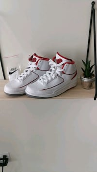 Nike Air Jordans 2 Retro Pickering, L1W 2V6
