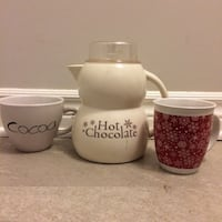 Hot chocolate jug and 2 mugs Smiths Falls, K7A 2E5