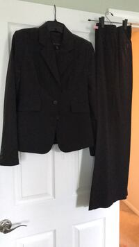 The  Limited Women's Suit size 4- brown Frederick, 21701