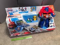 Brand New$25.00 Playskool Heroes Transformers Rescue bots HUGE PLAYSET La Vista, 68128