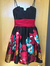 Black and floral strapless dress - size 1-2 - worn once Inver Grove Heights, 55077