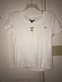 white scoop-neck shirt Southaven, 38671