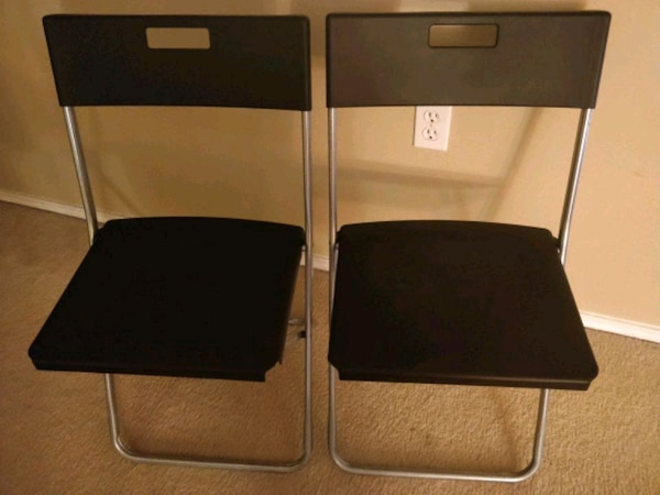 2 foldable chairs almost new 3 each
