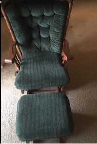 BEAUTIFUL CHAIR AND FOOT STOOL PIECE IN GREAT CONDITION  Norfolk, 23504