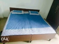 blue-and-white bedspread set Noida, 201303