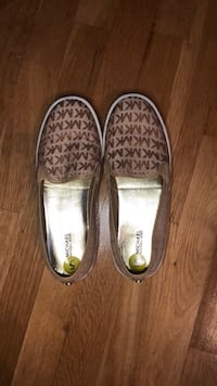 pair of brown-and-white slip on shoes Fairfax, 22030