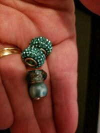 Charms and beads  Oakville, 63129