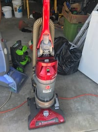 red and black upright vacuum cleaner Columbia, 65201