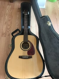 Norman B20 HG acoustic guitar, with case guitars made in Quebec Ottawa, K0A 3H0