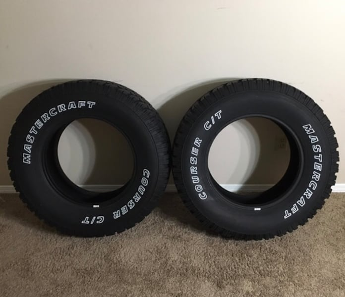 *Pair of - Mastercraft Courser CT LT275/70R18 e8c8bbb0-715f-4c3e-b06a-d0fe28667bcd