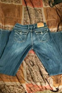 Women's Pants Lucky Brand size 8 and 29 in length .