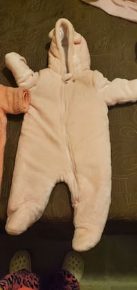 Baby bear suit for girls. Size 6-9 months and 0-3 months Chicago, 60639