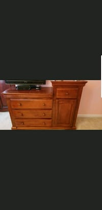 3 Piece Cherry wood full size bedroom set 28 km