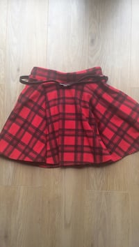 Red and black plaid mini skirt Esher, KT10 8JR