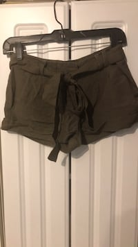 Women's Army Green short shorts from Forever21 Lincolnwood, 60712