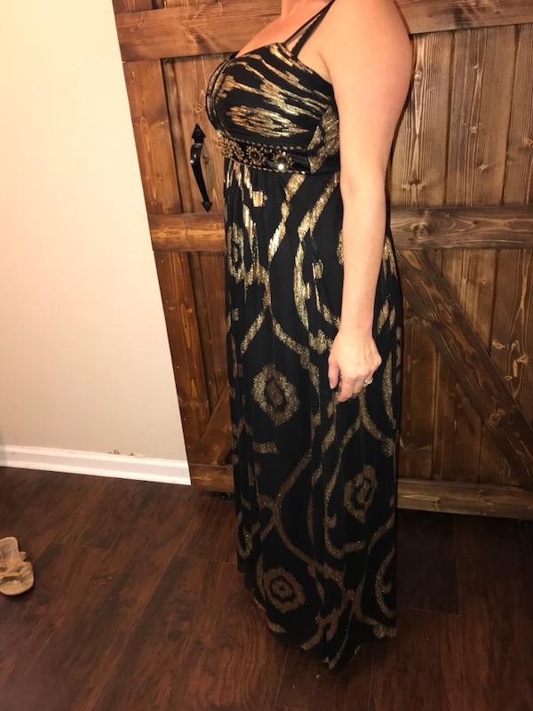 Mardi Grad Gown or festive for any dressy occasion!! Size 14