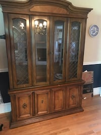 Solid wood china cabinet Collegeville, 19426