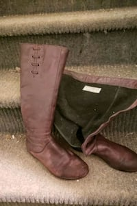 Women zip up leather boots